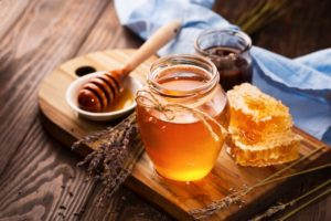 Use Honey to remove pimples and acne
