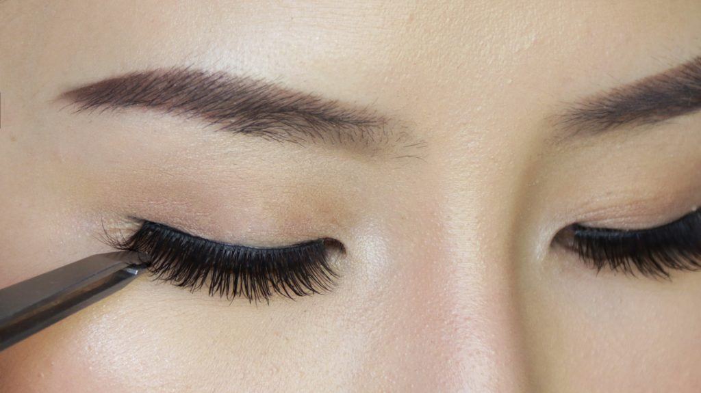 Get Natural Eyelashes